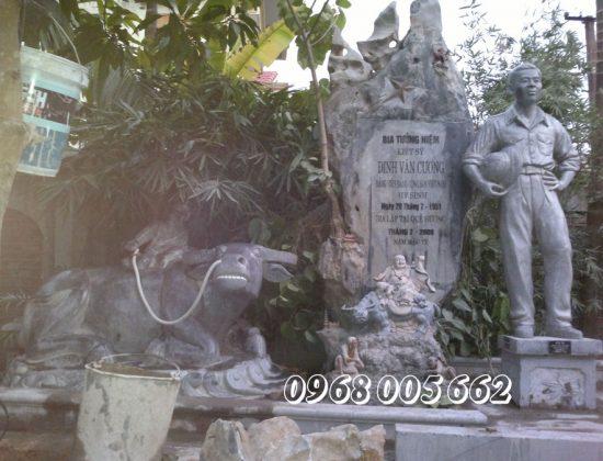 Bia mộ đá tưởng niệm liệt sỹ