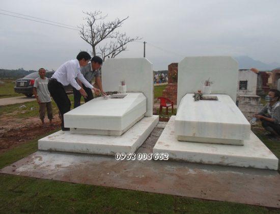 Mẫu mộ đá khối trắng Nghệ An