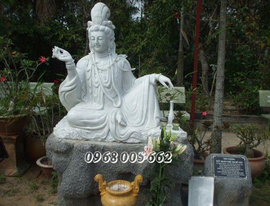 Tượng Phật bằng đá cẩm thạch