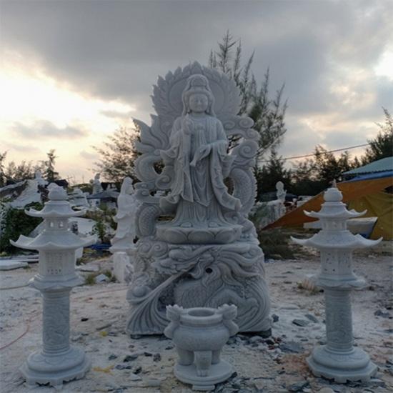 Tượng Phật Quan Âm bằng đá cẩm thạch được nhiều người ưa chuộng