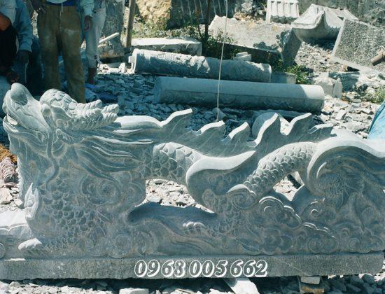 Tượng rồng đá xanh trong phong thủy