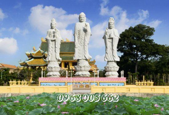 Tượng Tam Thế Phật là hình ảnh thể hiện cho quá khứ-hiện tại-tương lai