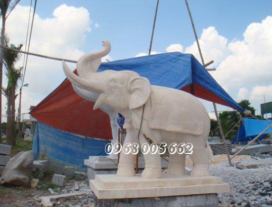 Tượng voi đá được đặt tại những vị trí cần bổ sung trong phong thủy