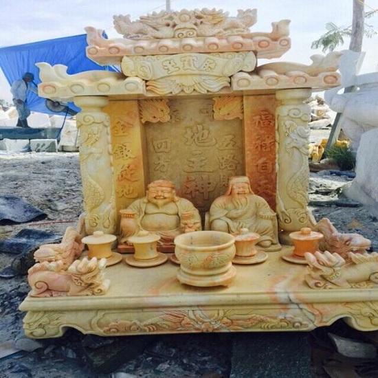 Bàn thờ ông Địa bằng đá tự nhiên có độ bền đẹp cao