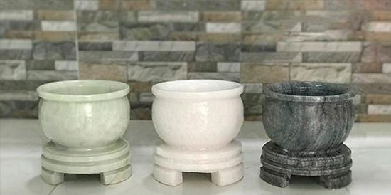 Bát hương bằng đá-sản phẩm tâm linh của người Việt