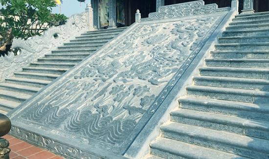 Cơ sở đá Xuân Mạnh là địa chỉ chế tác chiếu rồng đá uy tín