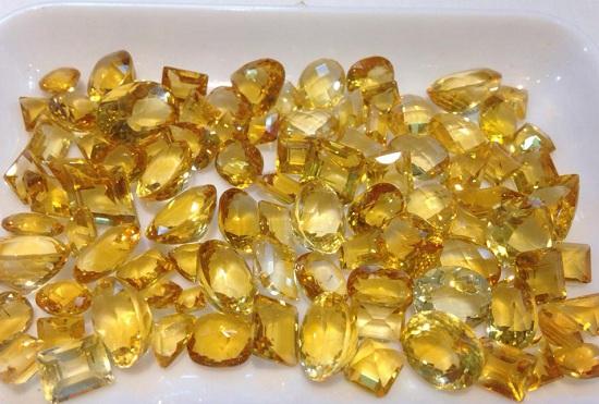 Thạch anh vàng là loại đá chiêu tài lộc, may mắn cho người kinh doanh
