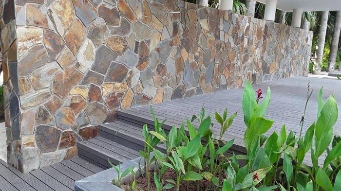 Ứng dụng đá tự nhiên ốp tường ngoài trời bền đẹp